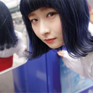 アッシュ ネイビー ブルー 切りっぱなし ヘアスタイルや髪型の写真・画像