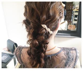 フェミニン 結婚式ヘアアレンジ セミロング ふわふわヘアアレンジ ヘアスタイルや髪型の写真・画像