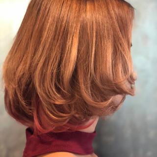 インナーカラー インナーカラーレッド ボブ レッドカラー ヘアスタイルや髪型の写真・画像