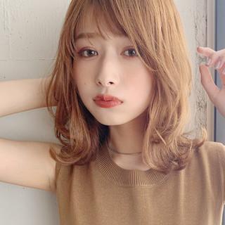 デジタルパーマ ゆるふわ フェミニン ミディアム ヘアスタイルや髪型の写真・画像