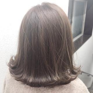 ナチュラル アッシュグレー ハイライト アッシュベージュ ヘアスタイルや髪型の写真・画像