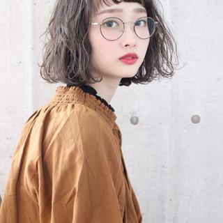 ミルクティーベージュ ボブ ナチュラル アンニュイほつれヘア ヘアスタイルや髪型の写真・画像