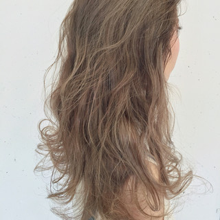 セミロング ハイライト グラデーションカラー ストリート ヘアスタイルや髪型の写真・画像