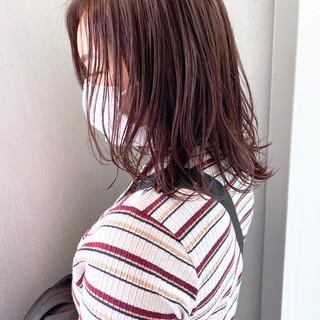 ショートボブ ナチュラル 切りっぱなしボブ ミディアム ヘアスタイルや髪型の写真・画像
