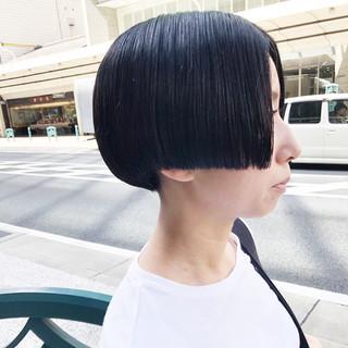 ミニボブ モテボブ 黒髪ショート モード ヘアスタイルや髪型の写真・画像