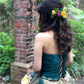 フェミニン ロング ヘアアレンジ ねじり ヘアスタイルや髪型の写真・画像