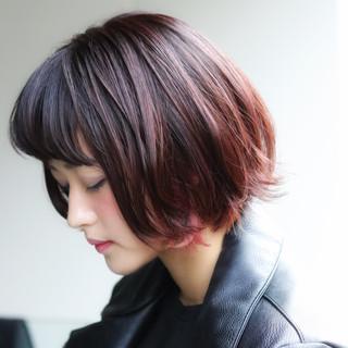 インナーカラー デート ショートボブ ストリート ヘアスタイルや髪型の写真・画像