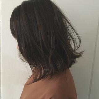 ストリート ウェットヘア 抜け感 前下がり ヘアスタイルや髪型の写真・画像