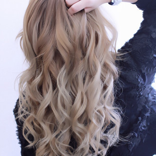 ハイトーン ハイライト ゆるふわ ミディアム ヘアスタイルや髪型の写真・画像