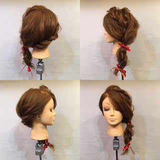 編み込み 波ウェーブ 三つ編み セミロング ヘアスタイルや髪型の写真・画像