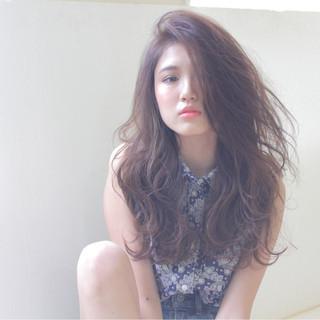 外国人風 暗髪 ストリート 大人かわいい ヘアスタイルや髪型の写真・画像