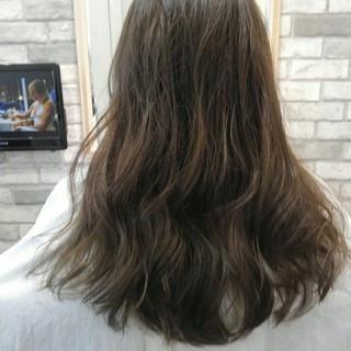 グレージュ 秋 ナチュラル ロング ヘアスタイルや髪型の写真・画像