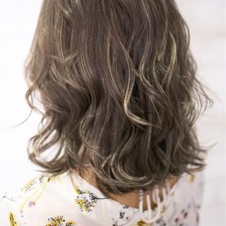 ハイライト ミディアム ガーリー グラデーションカラー ヘアスタイルや髪型の写真・画像