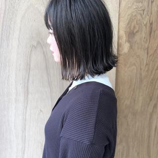 ミニボブ ナチュラル ハンサムショート 切りっぱなしボブ ヘアスタイルや髪型の写真・画像
