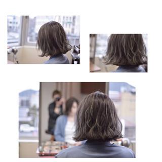ストリート 透明感 グラデーションカラー シルバーアッシュ ヘアスタイルや髪型の写真・画像