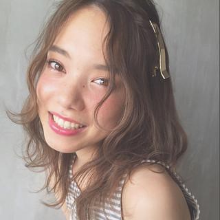 フェミニン ゆるふわ 簡単ヘアアレンジ ピュア ヘアスタイルや髪型の写真・画像