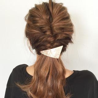 大人かわいい ショート 簡単ヘアアレンジ くるりんぱ ヘアスタイルや髪型の写真・画像