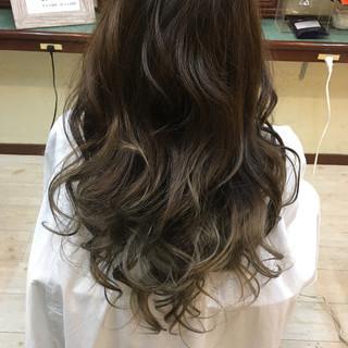 ロング 外国人風カラー 外国人風 ヘアアレンジ ヘアスタイルや髪型の写真・画像