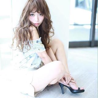 大人かわいい フェミニン ロング アッシュ ヘアスタイルや髪型の写真・画像