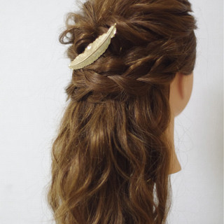簡単ヘアアレンジ ゆるふわ ロング フェミニン ヘアスタイルや髪型の写真・画像