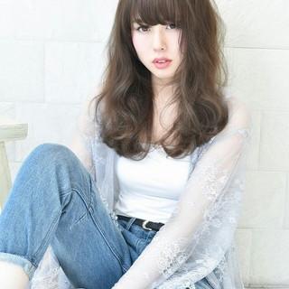 アッシュ フェミニン ゆるふわ 前髪あり ヘアスタイルや髪型の写真・画像