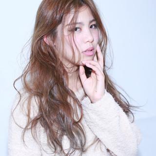外国人風 ゆるふわ フェミニン ロング ヘアスタイルや髪型の写真・画像 ヘアスタイルや髪型の写真・画像