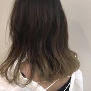 ストリート グラデーションカラー ブリーチ グレージュ ヘアスタイルや髪型の写真・画像