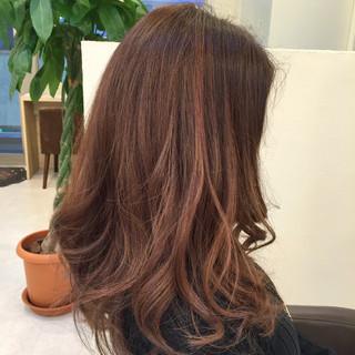 メッシュ グラデーションカラー ローライト ロング ヘアスタイルや髪型の写真・画像