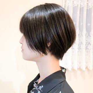 小顔 前髪あり ショート ショートボブ ヘアスタイルや髪型の写真・画像 ヘアスタイルや髪型の写真・画像
