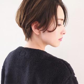 ショートヘア アッシュグレー ショート ハンサムショート ヘアスタイルや髪型の写真・画像