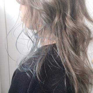 アッシュベージュ アッシュグレージュ アッシュグレー ストリート ヘアスタイルや髪型の写真・画像