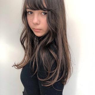 ベージュ ヘアアレンジ ガーリー アンニュイほつれヘア ヘアスタイルや髪型の写真・画像
