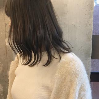 デート ミディアム ナチュラル 黒髪 ヘアスタイルや髪型の写真・画像
