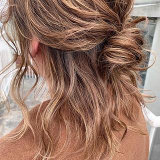 ヘアアレンジ ナチュラル ハーフアップ ミディアム ヘアスタイルや髪型の写真・画像 ヘアスタイルや髪型の写真・画像