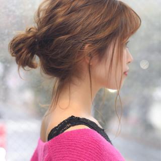 フェミニン ゆるふわ ウェーブ ミディアム ヘアスタイルや髪型の写真・画像