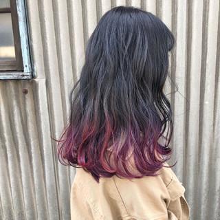 フリンジバング ウェーブ ガーリー セミロング ヘアスタイルや髪型の写真・画像