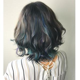 ミディアム ハイライト モード カラフルカラー ヘアスタイルや髪型の写真・画像