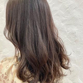 セミロング 透明感カラー ブリーチなし ナチュラル ヘアスタイルや髪型の写真・画像