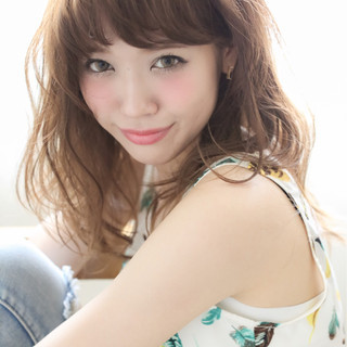 外国人風 パーマ ピュア セミロング ヘアスタイルや髪型の写真・画像