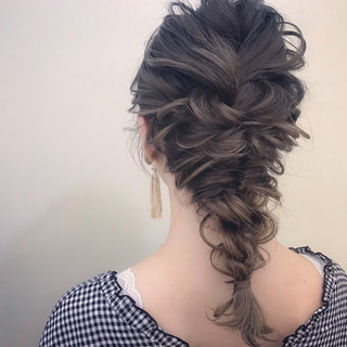 大人かわいい アンニュイ セミロング 謝恩会 ヘアスタイルや髪型の写真・画像 ヘアスタイルや髪型の写真・画像