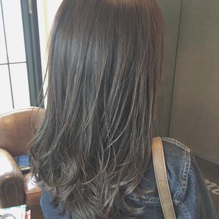 ミディアム こなれ感 暗髪 大人かわいい ヘアスタイルや髪型の写真・画像
