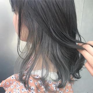 セミロング シアグレー インナーカラー インナーカラーグレージュ ヘアスタイルや髪型の写真・画像