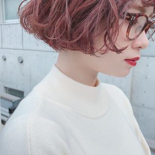 ナチュラル ピンクベージュ ラベンダーアッシュ ラベンダーピンク ヘアスタイルや髪型の写真・画像
