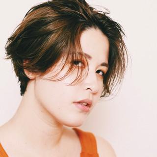 アンニュイほつれヘア ハンサムショート ショートヘア ハンサムバング ヘアスタイルや髪型の写真・画像