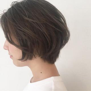 アウトドア ショート ナチュラル オフィス ヘアスタイルや髪型の写真・画像