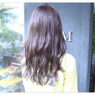 アッシュ 大人かわいい ロング 大人女子 ヘアスタイルや髪型の写真・画像
