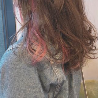 ピンク インナーカラー スポーツ ミディアム ヘアスタイルや髪型の写真・画像 ヘアスタイルや髪型の写真・画像