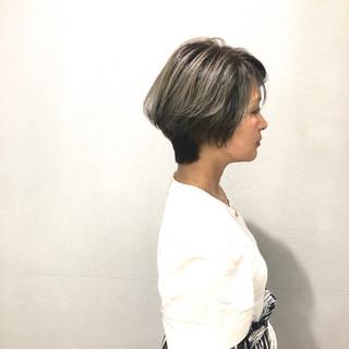 小顔ショート ナチュラル ミルクティーグレージュ ショート ヘアスタイルや髪型の写真・画像