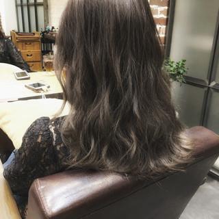 ナチュラル セミロング パーマ デジタルパーマ ヘアスタイルや髪型の写真・画像