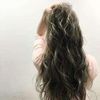 ブラウン ストリート ハイライト ウェットヘア ヘアスタイルや髪型の写真・画像